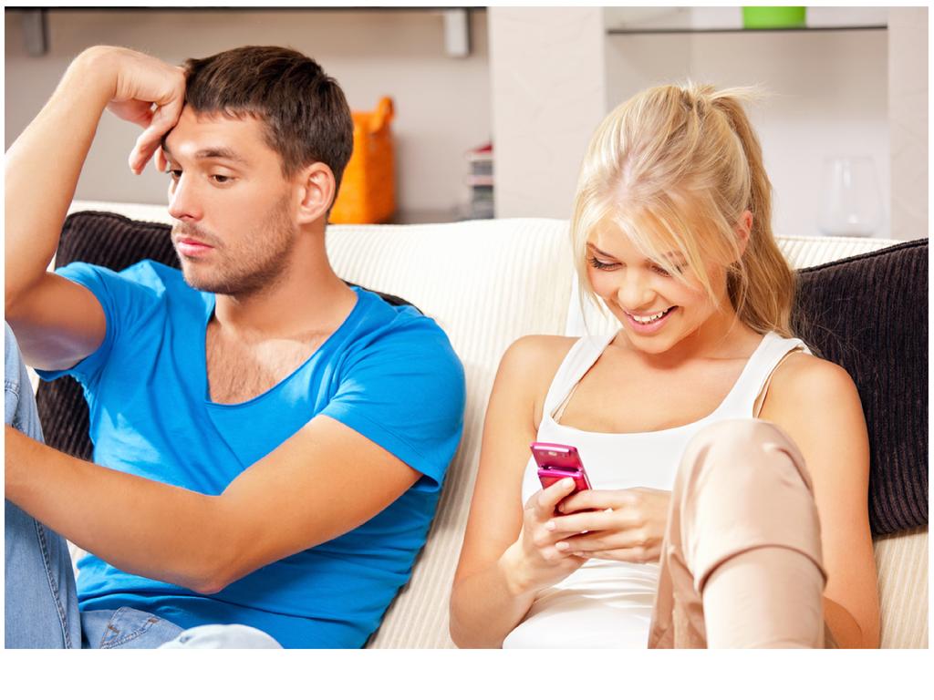 Изменяет И Разговаривает По Телефону - смотреть порно онлайн